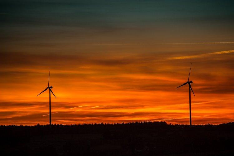 Windkraftraeder pixabay