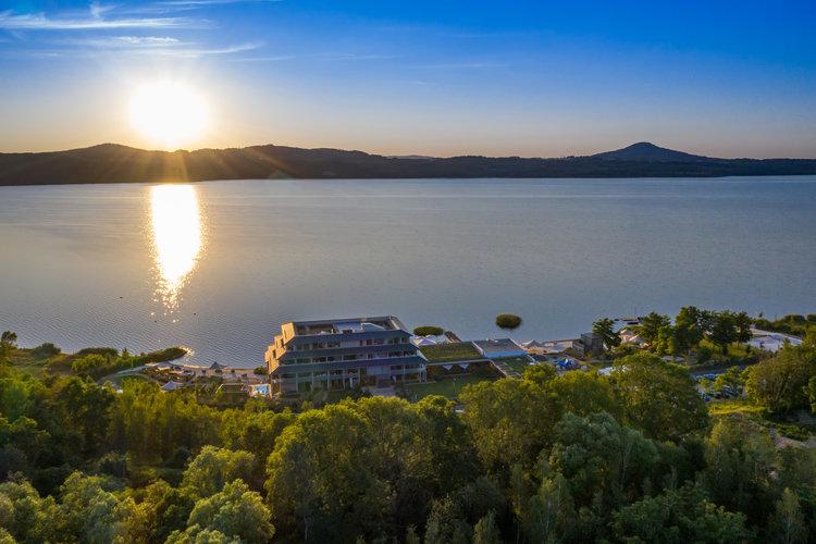 Drohne von Landseite Hotel Insel der Sinne