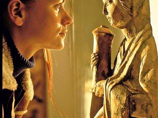 via sacra Maedchen mit Madonna