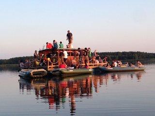 Floss mit Booten