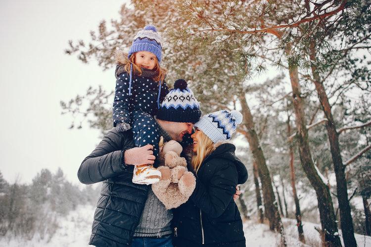 Ferie zimowe w rodzinnym świecie z dobrym samopoczuciem
