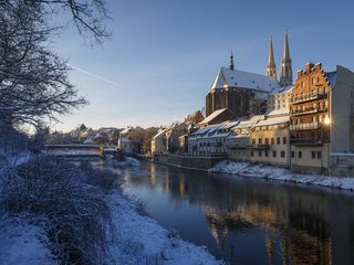 Goerlitz Winter Neisseufer Peterskirche