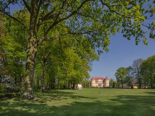 Schloss Milkel mit Park