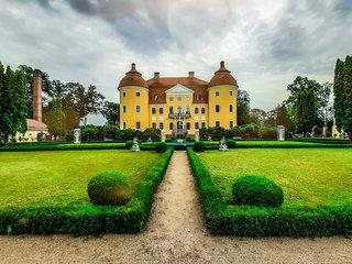 Schloss und Park Milkel