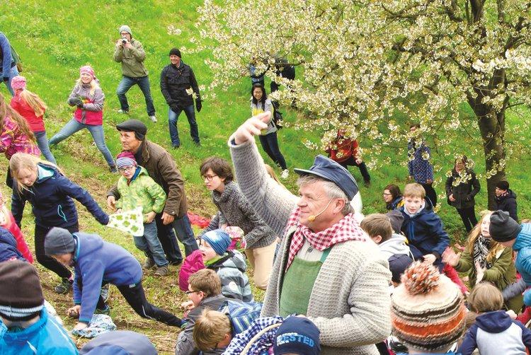 Bautzener Eierschieben mit Eierjockel Peter Stange AGORA Lausitz