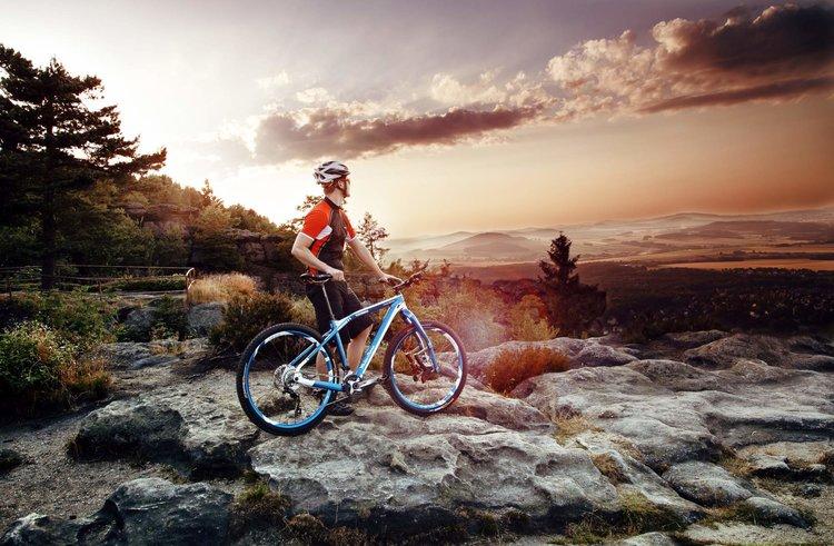 Radfahrer Laura Jankowski Naturpark Zittauer Gebirge Das Outdoorland