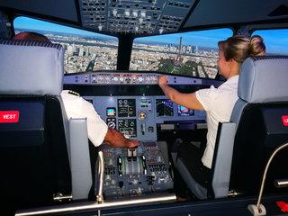 Einmal als Pilot in einem A320 Flugsimulator abheben