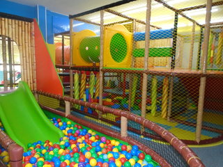 Kryty plac zabaw Spielhaus Tobix - Hoyerswerda